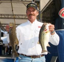 Second-place pro Ron Shuffield has a three-day total of 38 pounds, 15 ounces.