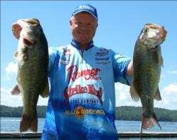 Offshore expert Mark Rose hauled in 25 pounds, 7 ounces, for third place in the Pro Division.