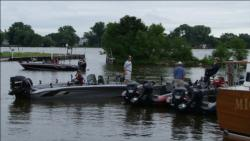 Overcast conditions greeted FLW Walleye Tour pros Thursday morning.