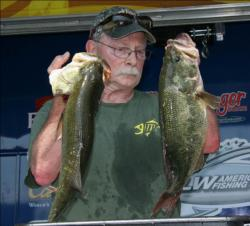 Co-angler leader Peter Wright caught his fish on slow sinking plastics.