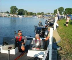 Pro leader Brian Deffner leads the top 10 pros out on Lake Winnebago for the final day of competition.