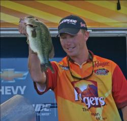 Flipping docks for largemouth enabled Andy Montgomery to improve to fourth place.