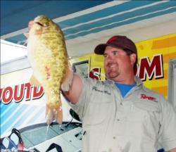 Pro Deron Eck of Kittanning, Pa., won with a three-day total of 10 bass weighing 48 pounds, 13 ounces.