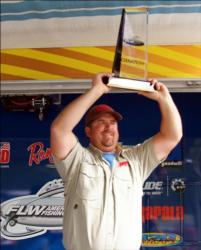For his AFS Northern victory, Pro Deron Eck earned $15,860 and a 198VX Ranger boat with a 200-horsepower Evinrude or Yamaha outboard motor.