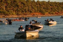 FLW Series anglers head toward boat check before takeoff.