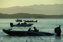 FLW Series anglers get ready for the start of the third day of competition on Lake Roosevelt.