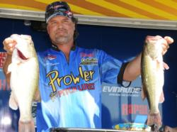 Kevin Snider of Elizabethtown, Ky., brought in 16 pounds, 10 ounces to move into third with a two-day total of 31 pounds, 12 ounces.