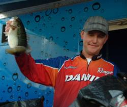 Local stick Jason Milligan of Shasta Lake, Calif., ultimately parlayed a 27-pound, 1-ounce catch into a third-place finish worth $10,000 at the EverStart Lake Shasta event.