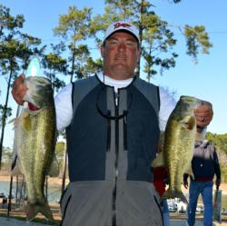 Pro Ronnie Eschete Jr. of Thibodaux, La., placed fifth with 10 bass, 30-9, $6,722.
