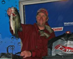 Flipping tubes and creature baits close to heavy cover gave Ken Howden the win on Roosevelt.