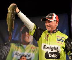 Stacey King rose to second place after catching a final-day stringer weighing 16 pounds, 12 ounces.
