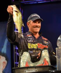 EverStart pro Ron Shuffield finished the Beaver Lake event third with 49 pounds, 4 ounces.