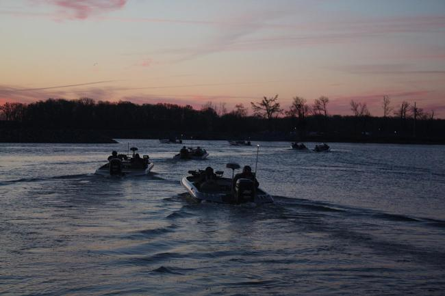 Flw fishing walmart bfl regional championship headed to for Ky and barkley lake fishing report