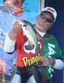 After blanking on day two, co-angler Terry Hollowell made a comeback on the final day and ended up third with a three-day catch of 23 pounds, 5 ounces.