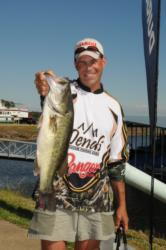 Alan Hults of Gautier, Miss., is in third place with 15 pounds, 11 ounces. Hults' limit was anchored by the big bass in the Pro Division weighing 6 pounds, 6 ounces.