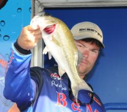 Clent Davis of Montevallo, Ala., rallied to the third place spot with a closing effort of 13 pounds, 1 ounce for a three-day total of 37 pounds, 8 ounces.