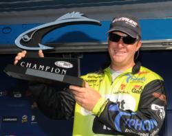 Here's one for the Mantel: Straight Talk Pro Scott Canterbury is named Champion at the EverStart Series on Lake Eufaula.