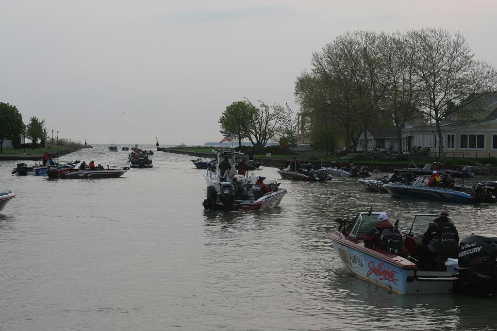 Uncertainty looms on lake erie flw fishing articles for Plenty of fish erie pa