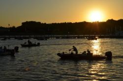 As the sun drifts over the horizon, boaters prepare for the first day of FLW Tour Open competition on the Potomac River.