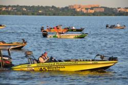 Anglers prepare for the opening round of FLW Tour competition on the Potomac.