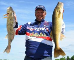 Second-place pro Paul Meleen managed two nice overs on day one.
