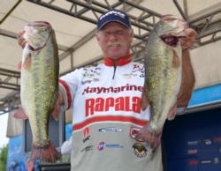Fifth-place pro Tom Mann Jr. caught a five-bass limit Thursday weighing 21 pounds, 10 ounces.