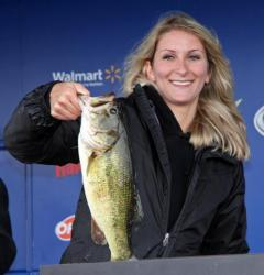 Sticking with wacky-rigged Senkos put Emily Mcleod in the co-angler lead.