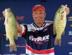 After a busy start with smaller fish, fifth-place pro Scott Dobson focused on upgrading with a dropshot.