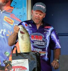 River current was a key element for EverStart Detroit River winner Mark Madrak.