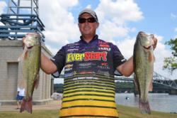 Using a catch of 35 pounds, 1 ounce, Randall Tharp of Gardendale, Ala., finished the day in fourth place overall on Pickwick Lake.