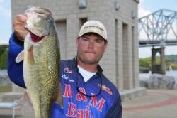 Using a total catch of 35 pounds, 14 ounces, Clent Davis of Montevallo, Ala., grabbed the overall lead in the Co-angler Division.