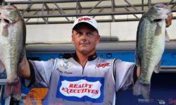 On the strength of an 18-pound, 14-ounce catch during the third day of competition, Robbie Dodson of Harrison, Ark., leapfrogged from fifth place to second overall heading into the finals.