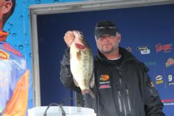 Mike Desforges caught a 5-pound, 11-ounce largemouth that earned Snickers Big Bass honors.