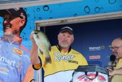 After a frustrating day in the St. Lawrence River, Gregg Seal settled into fourth place.