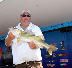 Pro Scott Handel of Chamberlain, S.D., is in fifth after day one on Lake Oahe.