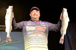 EverStart pro Dan Stier of Mina, S.D., caught five walleyes Sunday weighing 18 pounds, 14 ounces en route winning the National Guard FLW Walleye Tour Championship.