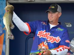 Prattville, Ala., pro Russell Lane caught a 24-pound, 5-ounce limit Sunday and rallied to finish the tournament in third place.