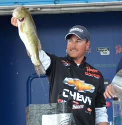 Chevy pro Bryan Thrift moved up from sixth to fifth after catching a 22-pound, 8-ounce limit Sunday.