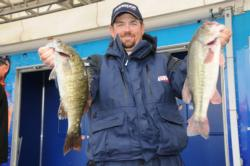 Prevacid pro Dan Morehead of Paducha, Ky., is tied for foruth with 15-3.