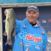 Kellogg's pro Jim Tutt of Longview, Texas, finished fourth with a four-day total of 55 pounds, 2 ounces.