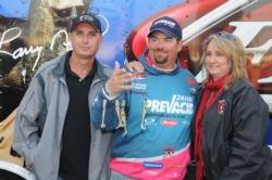 Dan Morehead with Andy and Tammy Poss, makers of the Alabama Rig.