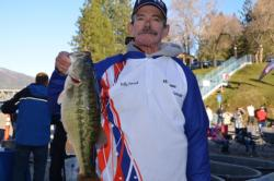 Second place in the Co-angler Division belonged to William Penrod of Salome, Ariz., who boated a two-day catch of 17 pounds, 3 ounces.