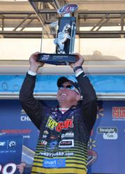 EverStart pro Randall Tharp gets his long-coveted win on Lake Okeechobee.