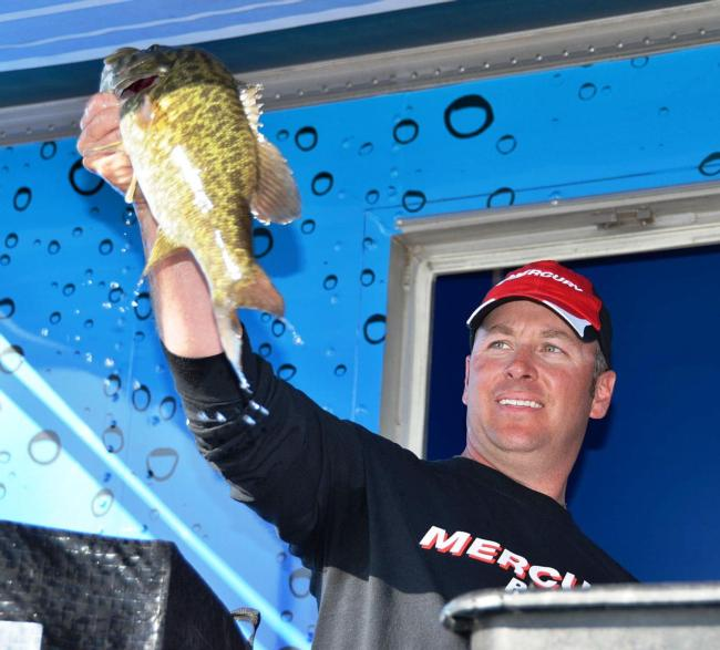 Day-two leader Chris Kinley of Durnago, Colo., ultimately finished the Lake Havasu EverStart contest in second place.