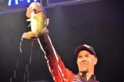 Marty Stone of Fayetteville, N.C., shows off his third-place catch during the finals of the Lake Hartwell contest.