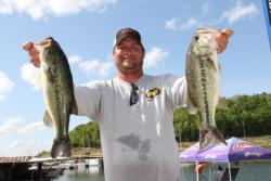 Zach King alternated between Zoom trick worms and speed craws to catch his limit of 14-6.