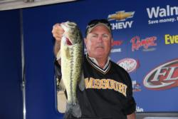 This 4-pound, 5-ouncer earned the Snickers Big Bass award for Tommy Lowery.