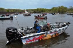 Walleye Tour anglers get ready for the start of the opening round of tournament action on the Mississippi River.