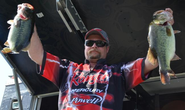 Pro Wayne Breazeale of Kelseyville, Calif., finished the EverStart Clear Lake event in second place.