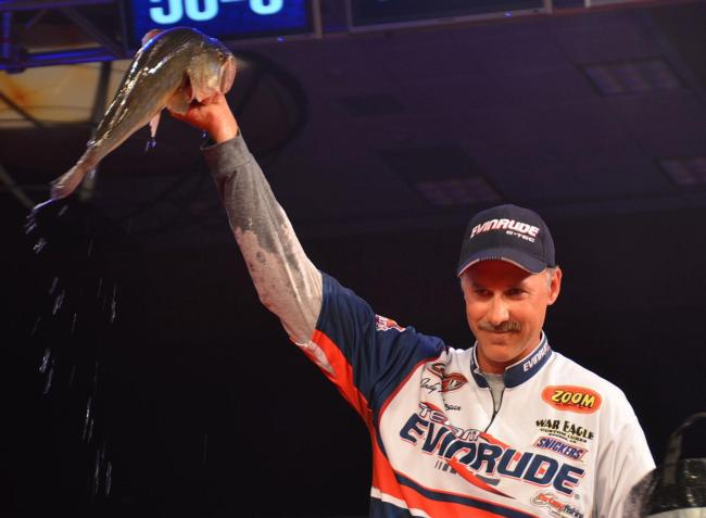 Second-place pro Andy Morgan stunned the Rogers area crowd with a 17-pound, 8-ounce limit Sunday.
